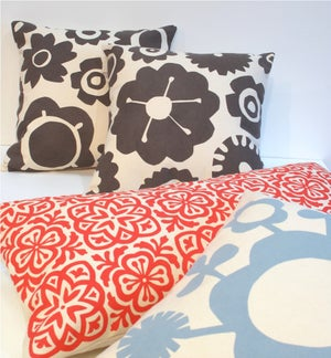 Image of Big Flower Retro Print Cushion