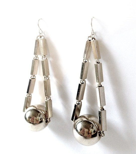 Image of EXCLUSIVE Swinging Ball Drop Earrings