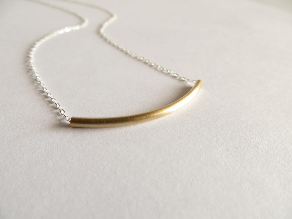 Image of Mixed metal curve necklace