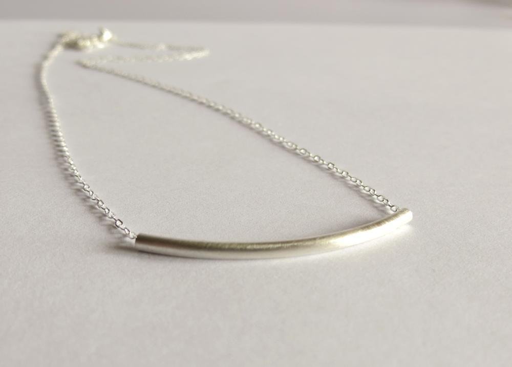 Image of Silver curve necklace