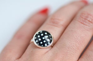 Image of Bague Minnie rouge à pois