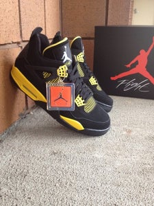 Image of Air Jordan 4 Retro - Thunder - size 9