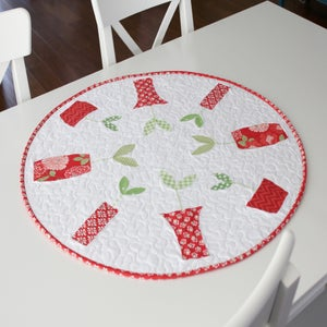 a bright corner sprouts table runner and topper pattern pdf version. Black Bedroom Furniture Sets. Home Design Ideas
