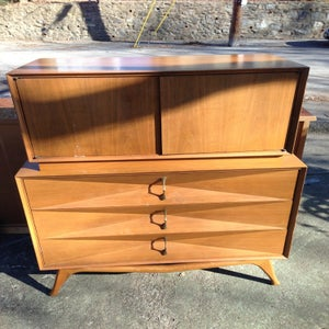 Image of Modern 3 Drawer Dresser