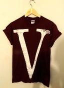 Image of V tshirt