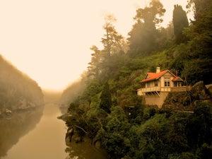 Image of Cataract Gorge cottage Launceston Tasmania - photo block - 022/2013