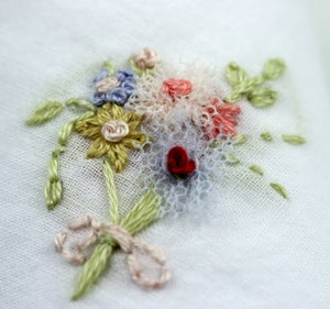 Image of Woman handembroidered handkerchief : Bouquet
