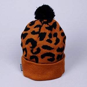 Image of Gato Jacquarded Knit Beanie (Brown/Black)