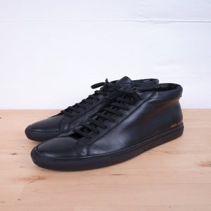 Image of Common Projects - Achilles Mid Black Sneakers