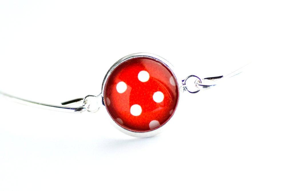 Image of Bracelet fin illustration à pois rouge blanc, laiton argenté