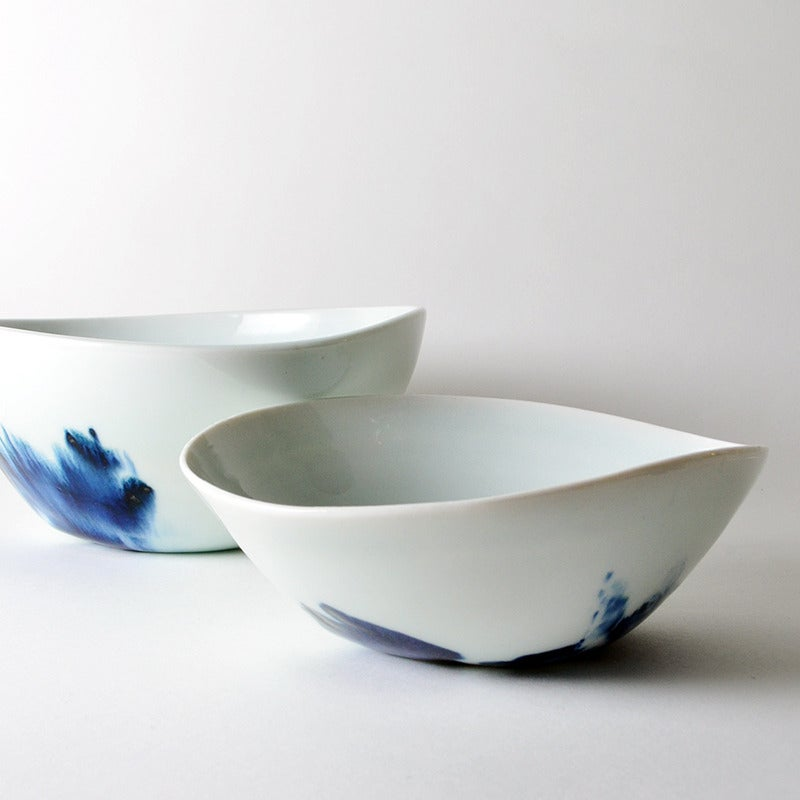 Image of small blue and white bowl