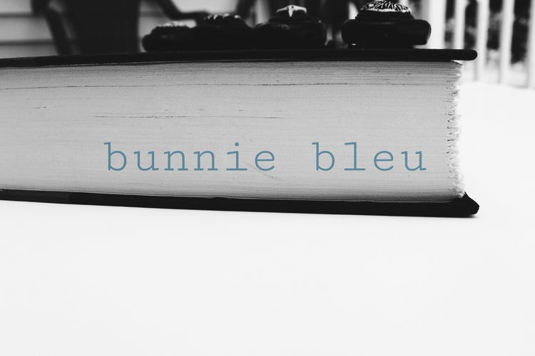 bunnie bleu